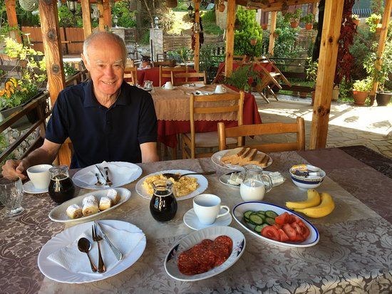 Elshani, Republic of Macedonia: Breakfast!