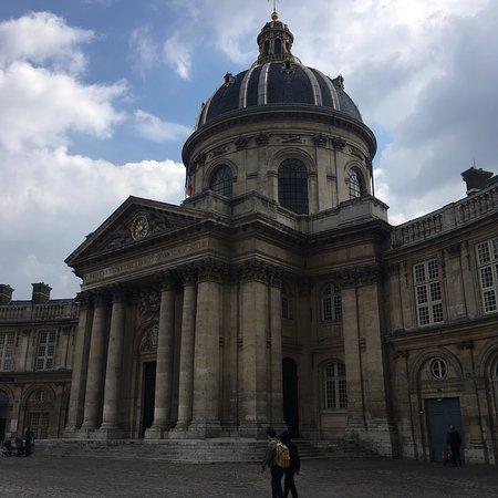 Paris Urban Tour