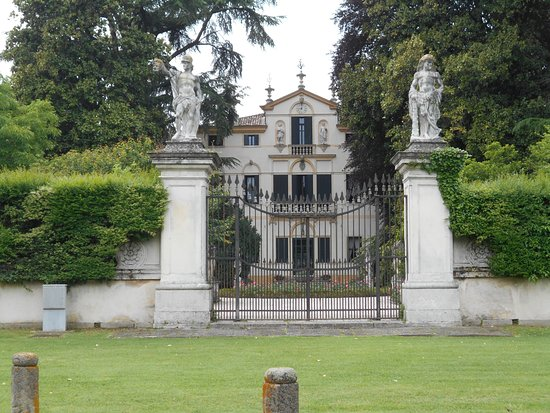 Villa Grimani, Vendramin, Calergi, Valmarana di Noventa Padovana