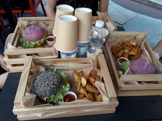 Flower Burger Resmi
