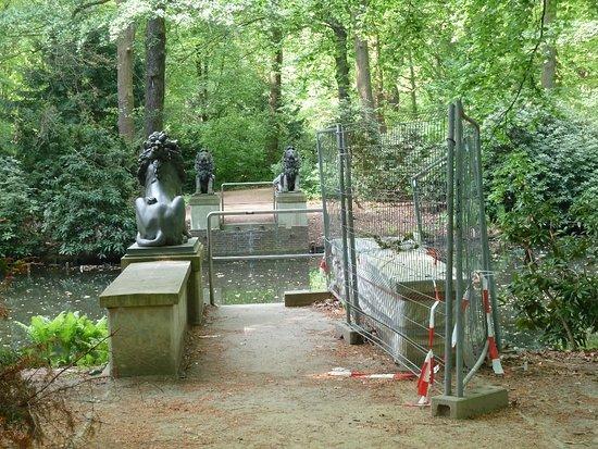 Löwenbrücke im Tiergarten