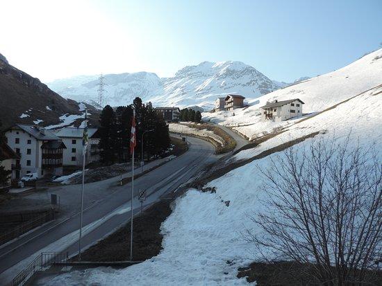 Bivio, Suiza: vista ao amanhecer de nosso quarto
