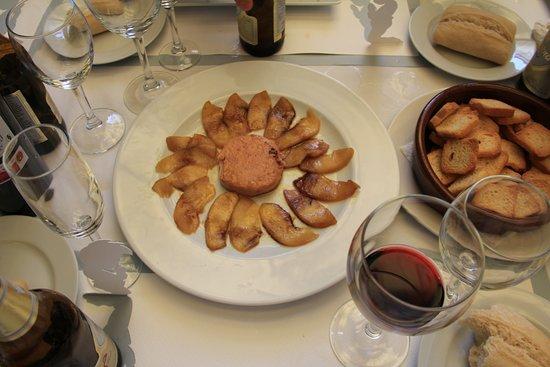 Caniles, España: paté templado de oca con manzana caramelizada