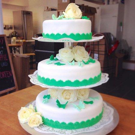 Hochzeitstorte Picture Of Cafe Blattgold Kiel Tripadvisor