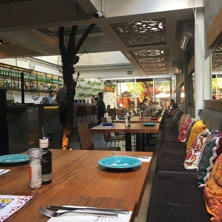 Farabbud: Restaurante muito bem decorado
