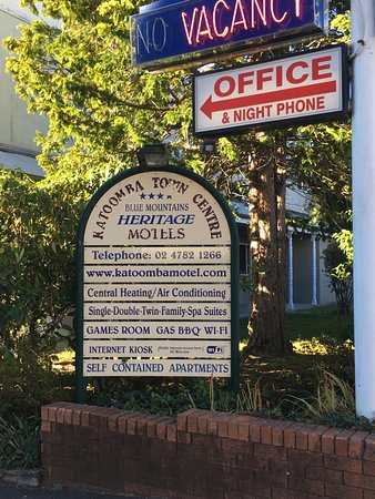 Katoomba Town Centre: Street  View 1