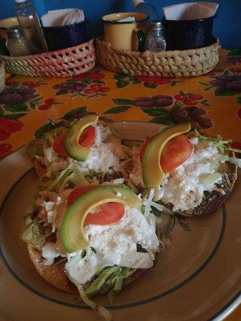 El Limoncito Breakfast: IMG_20180516_182314_large.jpg