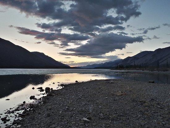Muncho Lake, كندا: 20180510_215209_large.jpg