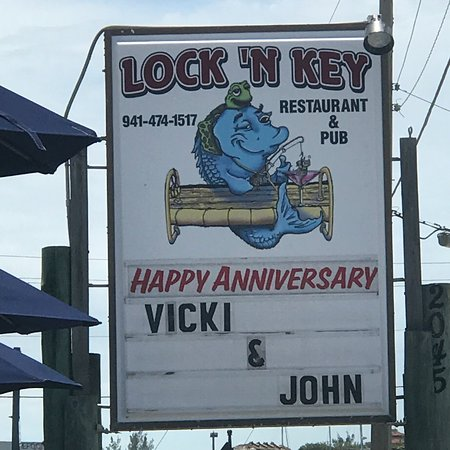 Lock 'N Key Restaurant & Pub: photo0.jpg