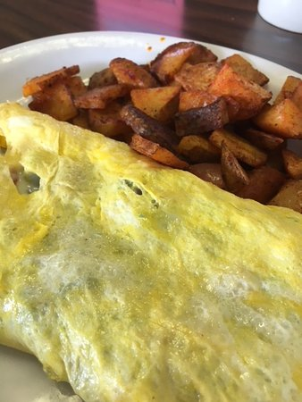 Chelmsford, MA: veggie omelet with home fries
