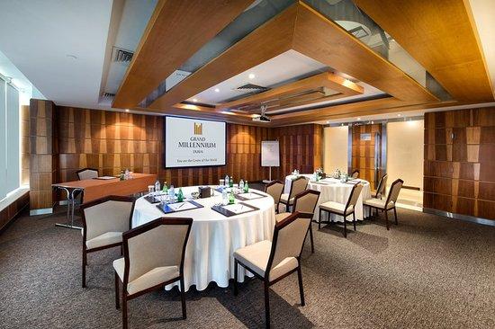 Grand Millennium Dubai: Meeting room