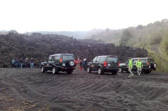 Full-Day Etna Jeep Tour fra Taormina...
