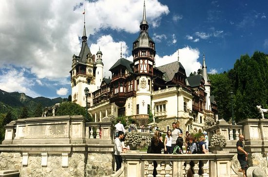 Count Dracula & Peles Castle in One ...