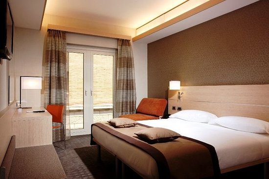 羅馬伊曲酒店