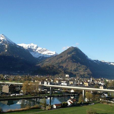 Goldswil, سويسرا: Aussicht von der Frühstücksterrasse