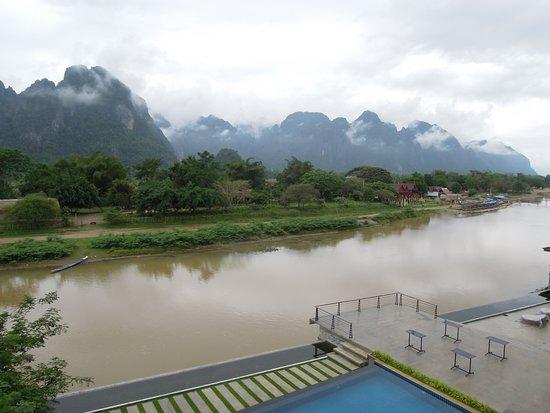 Inthira Vang Vieng: Aussicht vom Balkon