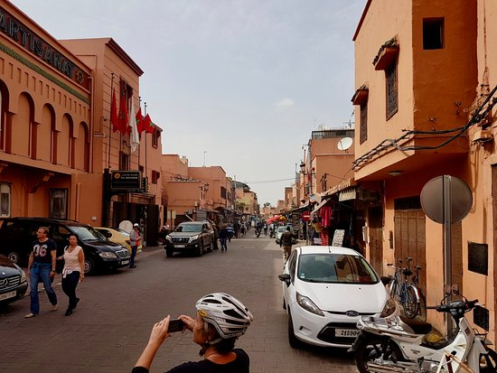 stop at one of the less touristy areas - Picture of Marrakech City ... a917b67d6