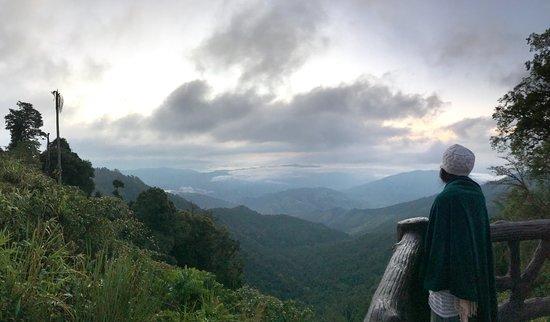 อุทยานแห่งชาติดอยภูคา: Sunrise view point