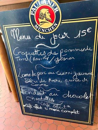 Montferrand, فرنسا: Arrivés en tout dernier sans avoir réservé (ouf) il y peu des changements sur l'entrée et le pla