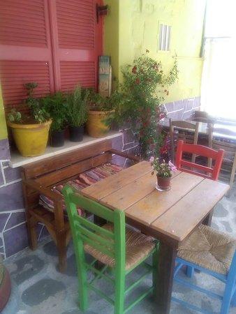 Poseidonia, Grèce : sunny - colorfull