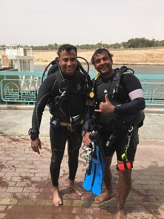 Ghantoot, De forente arabiske emirater: Certifying PADI Open Water Diver Course
