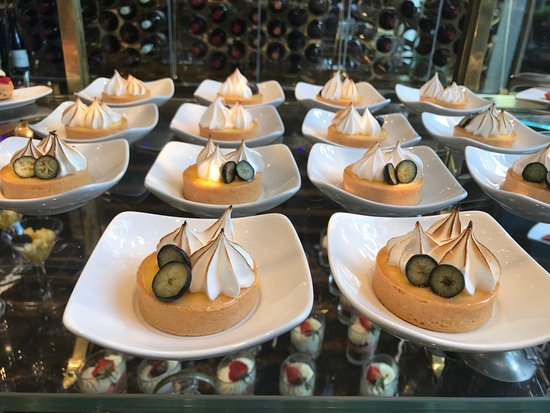 KOLLAZS - Brasserie & Bar: A table of Sunday brunch desserts