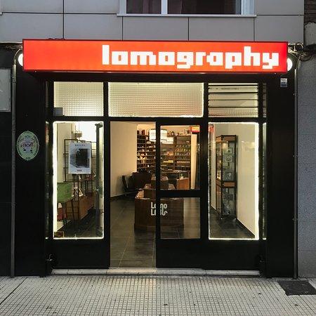 Lomography Embassy Gijón