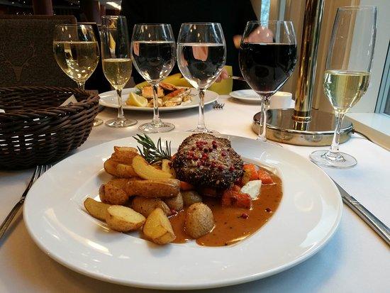 Rantasipi Pohjanhovi: Three pepper steak