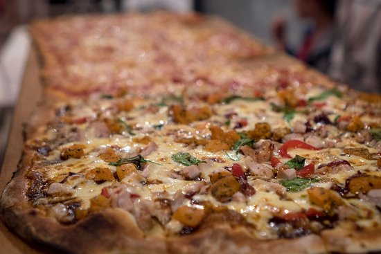 Wyong, Australia: That's a lot of pizza