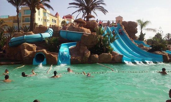 Piscina de toboganes picture of evenia zoraida park - Toboganes de piscina ...