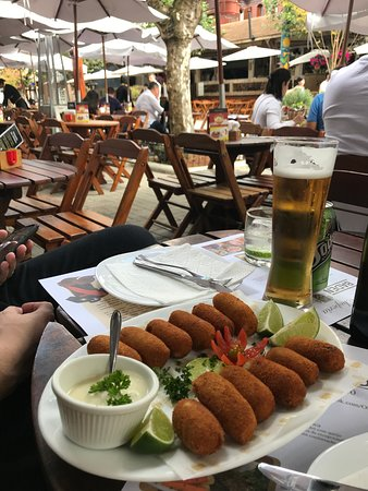 Choperia Baden Baden: Porção de bolinho de carne seca.