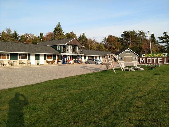 Moose Manor Resort & Motel