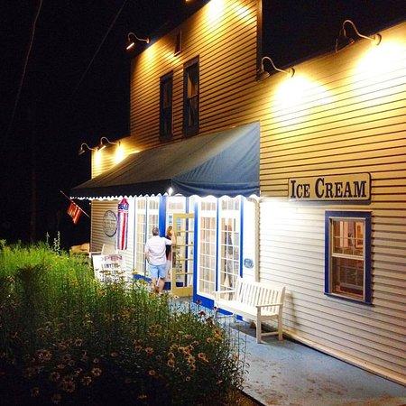 Door County Ice Cream Factory Sandwich Shoppe Sister Bay