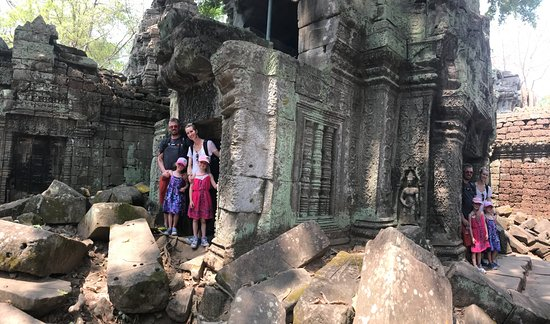 David Angkor Guide - Private Tours: David showed us this fun pano trick!