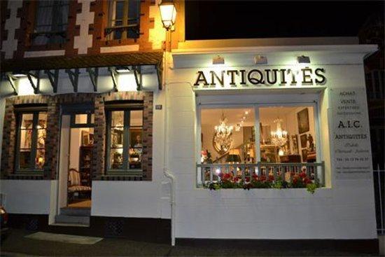 L'Aigle, France: AIC ANTIQUITE CHERRUAULT