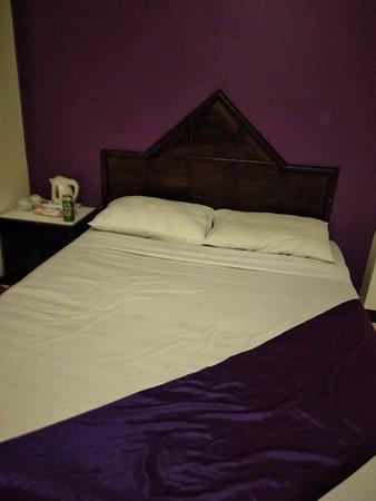 Sawasdee Sunshine Hotel: Номер