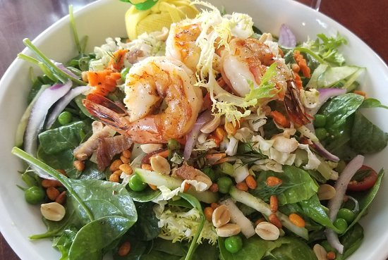 The Heights Restaurant and H Bar: Spinach Salad