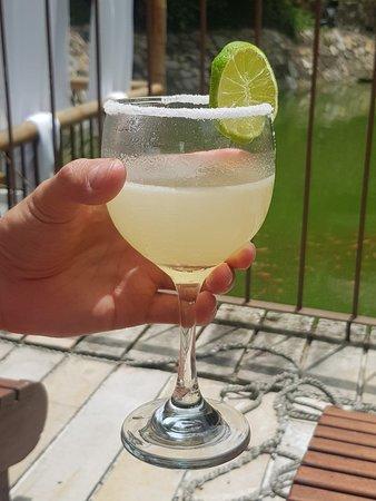 Apulo, Kolumbia: Margarita = Limonada en copa de vino