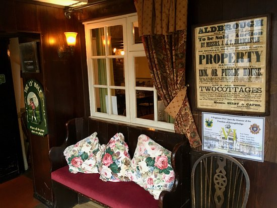 THE SHIP INN ALDBOROUGH - COSY CORNER