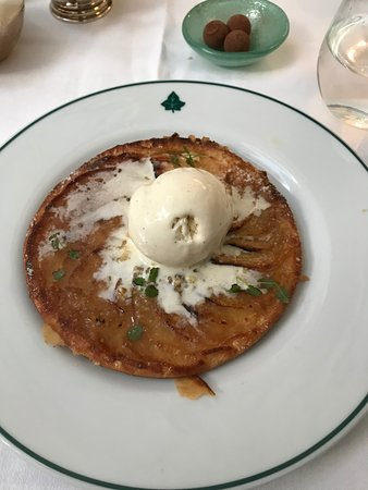The Ivy Montpellier Brasserie: Apple tart with Calvados