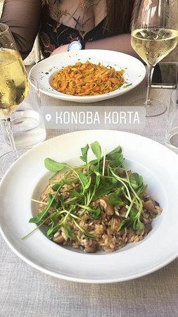 Konoba Korta : We had green pasta with shrimps and salmon, risotto with mushroom and house wine
