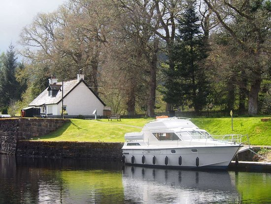 Spean Bridge, UK: Royal Star at Kytra Lock, Caledonian Canal