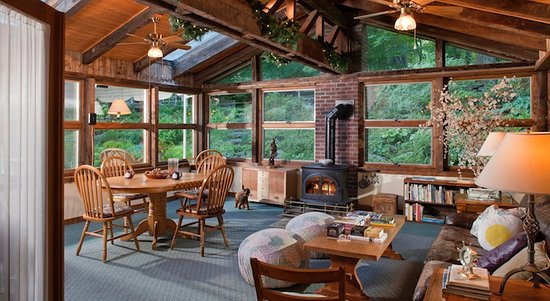 Warren, VT: The Sun Room at West Hill House B&B