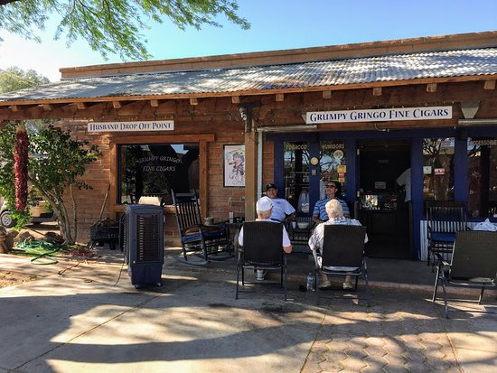 Tubac, AZ: Grumpy Gringos Fine Cigars - the welcome committee.