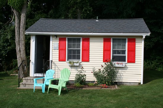 Buzzards Bay, ماساتشوستس: Queen bed cottage-fridge-HD TV -Free wifi-Private bath