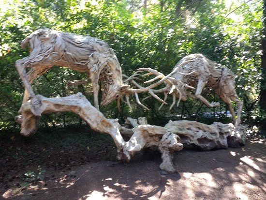 Churt, UK: Stags fighting - made from driftwood