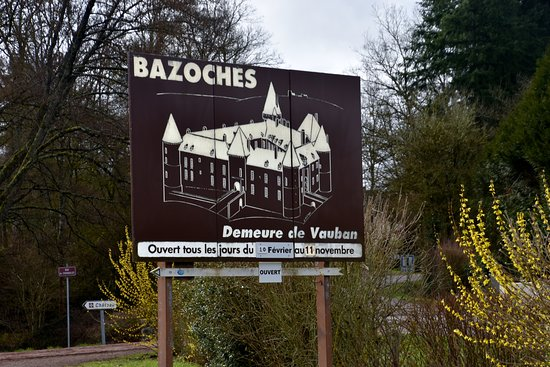 Bazoches, Frankrike: Directional sign