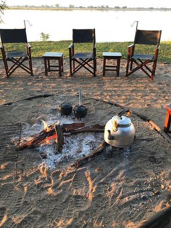 Lower Zambezi National Park, Zambia: Porridge on the fire for Breakfast