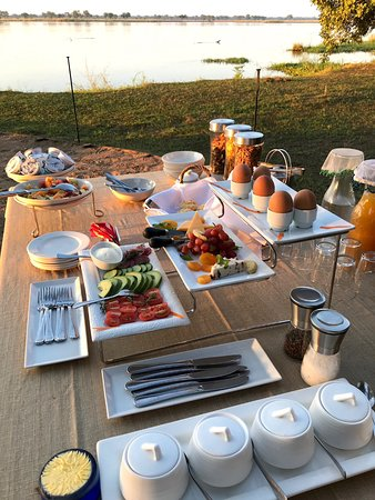 Lower Zambezi National Park, Ζάμπια: Breakfast Buffet