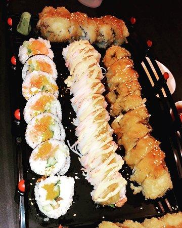 Cranston, RI: Sushi Rollls
